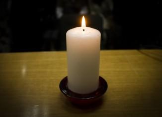 homenaje a las victimas del Holocausto de la II guerra mundial en el Cenrto artistico,literario y cientifico de Granada. Foto: Antonio L. Juárez