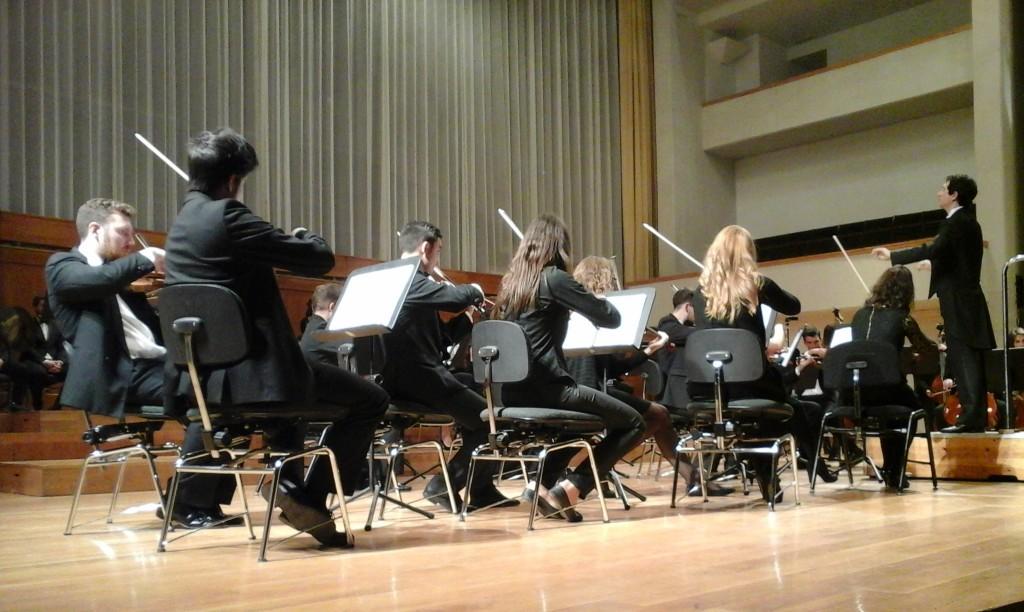 La Orquesta Académica de Granada (OAG) en su concierto en el Manuel de Falla de Granada