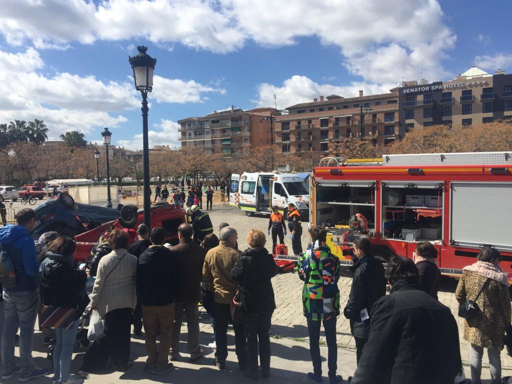 Los bomberos celebraron San Juan de Dios mostrando su trabajo a los granadinos. Foto: Marta Carretero