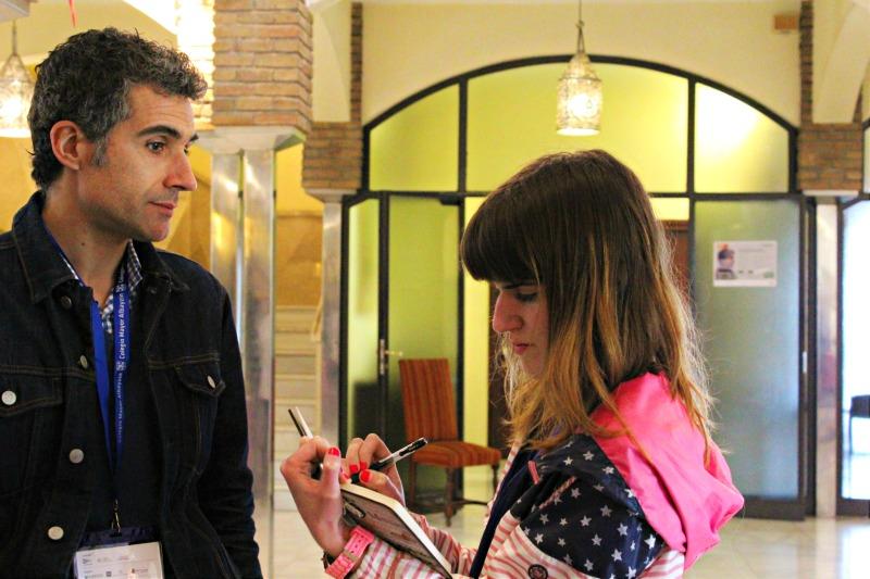 Javier Barreira durante la entrevista en las Jornadas de Comunicación. Foto: Camila Montoya.