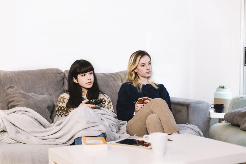 Redes Sociales y Televisión - Sofá, mantita y Twitter