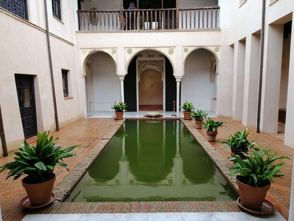 La alberca es una de las fortalezas de la Casa de Zafra