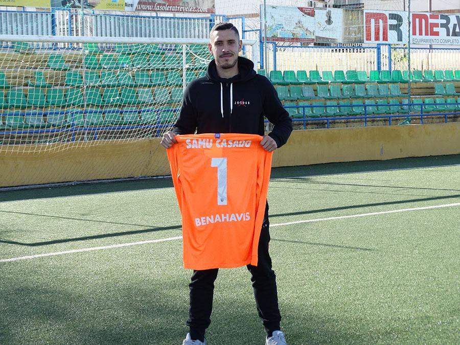 El portero del Málaga CF espera triunfar con su equipo